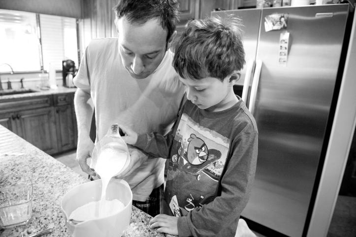 scottsdale arizona family lifestyle photography, storytelling, father and son making pancakes 07